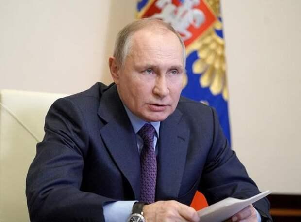 Работавший в Кремле французский шеф-повар раскрыл кулинарные предпочтения Путина