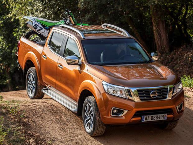 Чехи сравнили российский УАЗ Patriot и японский Nissan Navara
