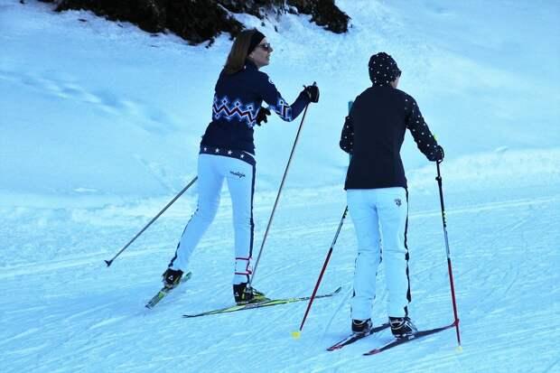 Два, Горнолыжный, Лыжи, Снег, Зима, Катание На Лыжах