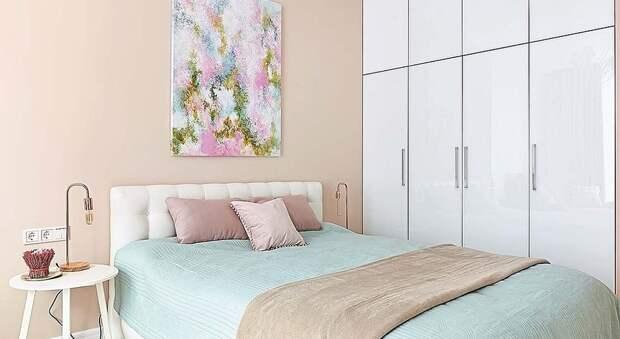 Розовый, зелёный, голубой: квартира у моря в нежной пастельной гамме