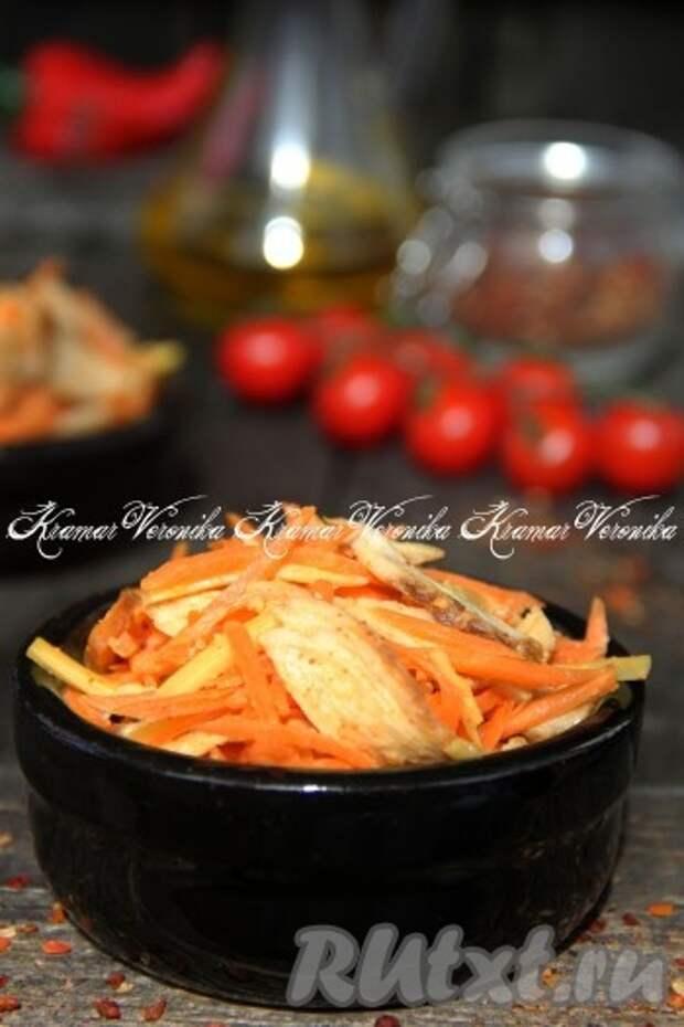Салат с копченой курицей, с корейской морковью и сыром