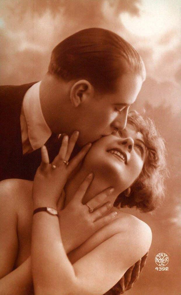 Французские открытки, в которых показано, как романтично целовались в 1920-е годы 30
