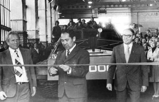 Торжественный выпуск первого вездехода ГТ-Т в Семипалатинске