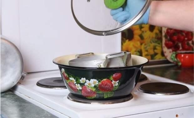 Идеальная кухня: читаем, как убрать гарь с кастрюли, чтобы она была как новая