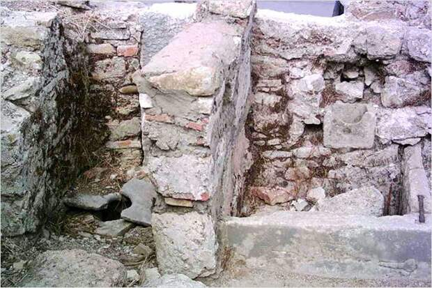 Древняя ванна в Турции