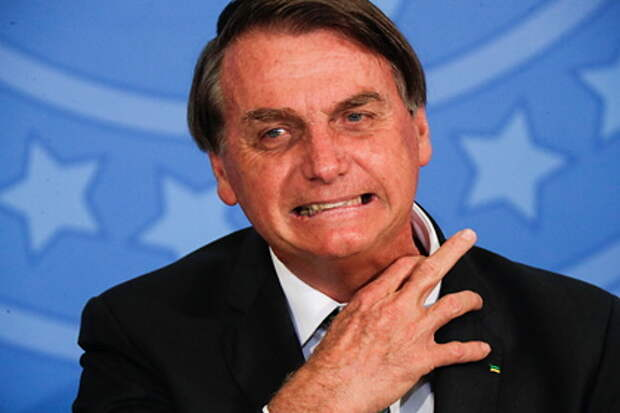 Бразильский президент призвал министров прыгнуть вместе с ним с самолета