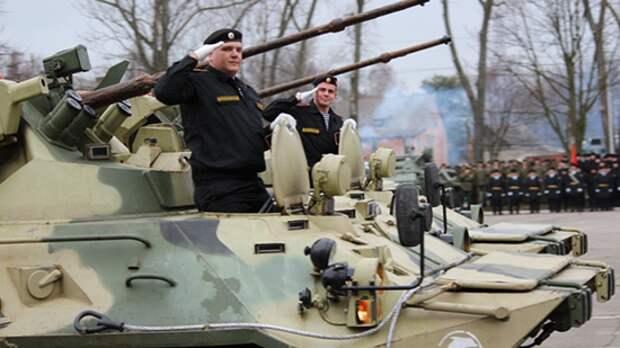 Военнослужащие БФ провели первую ночную репетицию парада Победы в Калининграде