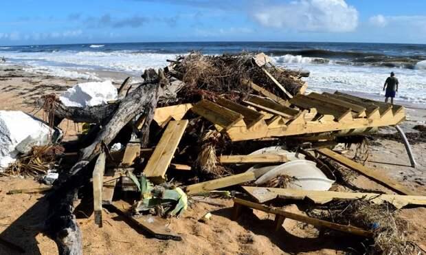 Строительный мусор в Ялте выбрасывают прямо в море