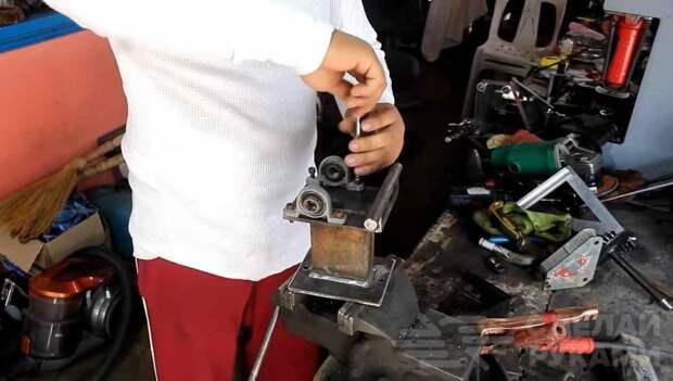 Мини гибочный станок с использованием мотоциклетной цепи
