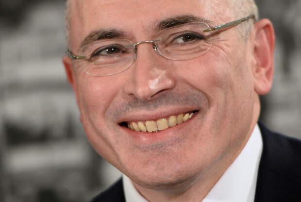 Почти американец: Ходорковский рьяно продолжает выполнять поручения Запада, вербуя российских политиков