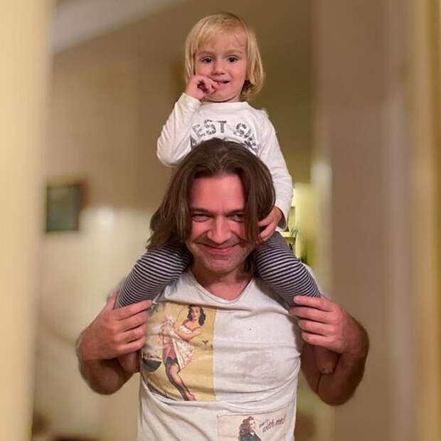 Сыновья российских звёзд с яркой внешностью