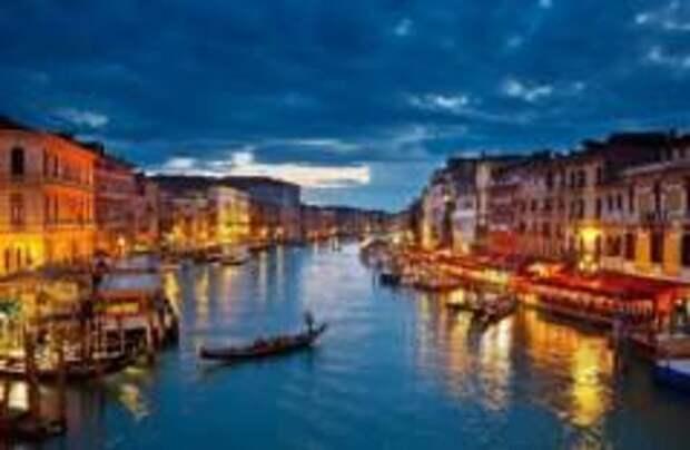 Бомбу времен Второй мировой обезвредили в Венеции