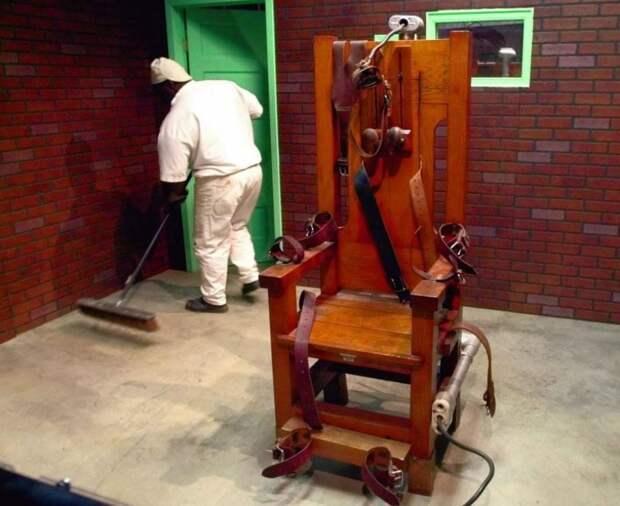 Удобно ли смертнику на электрическом стуле?