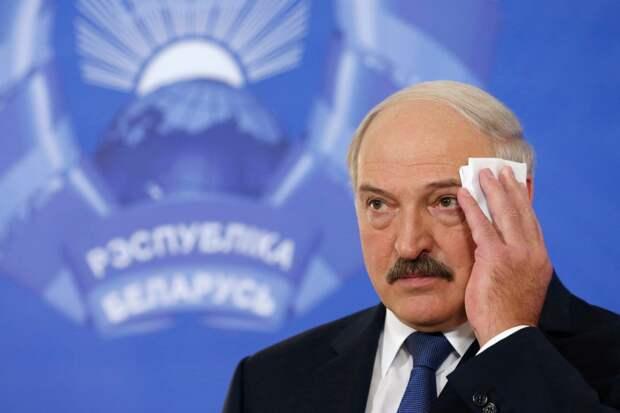 На лбу Лукашенко выступил пот, когда он вспоминал о телефонном разговоре с Путиным