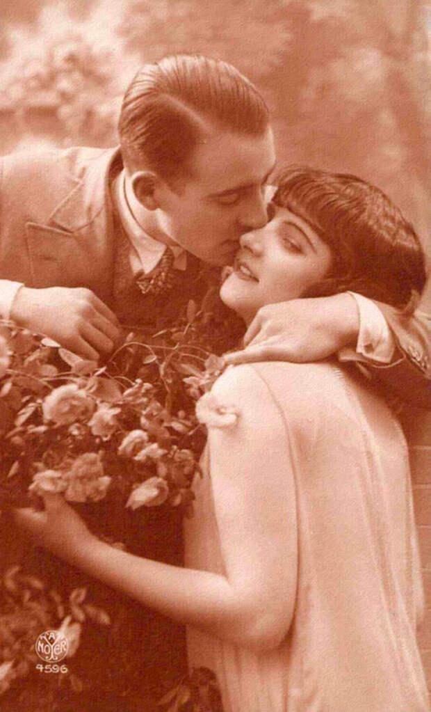Французские открытки, в которых показано, как романтично целовались в 1920-е годы 22