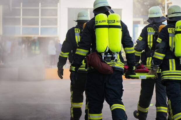 Пожарные ликвидировали возгорание в нежилом доме на Родионовской