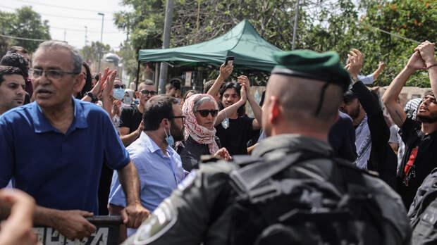 Полиция Израиля применила слезоточивый газ против протестующих в Восточном Иерусалиме