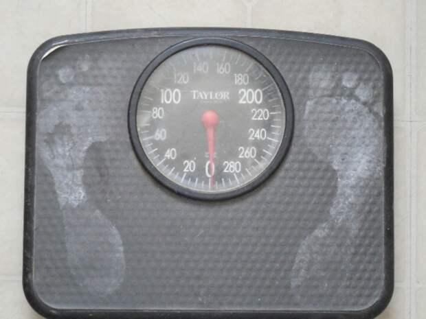 Диетолог Арзамасцев назвал вредным полное исключение углеводов на диете