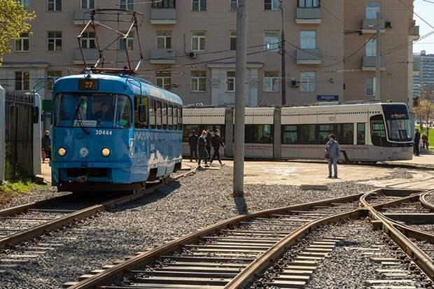 Трамваи задерживаются на Варшавском шоссе из-за поломки контактной сети