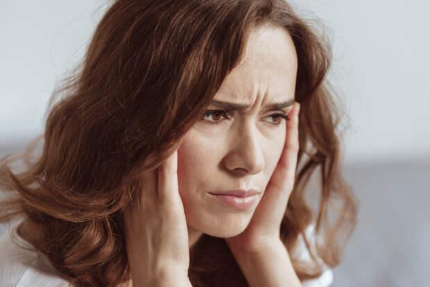 Россиянка рассказала, каксолевой раствор может решить проблемы сдавлением иголовной болью