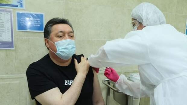 Казахстанский премьер привился «Спутником V»