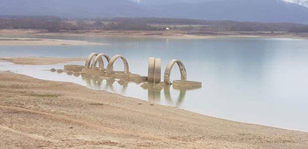 Запасы воды в Чернореченском водохранилище увеличились