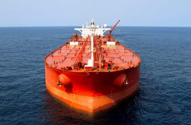 """Хуситы удерживают танкер, который является """"экологической бомбой"""""""