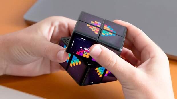 В России скрестили кубик-рубик с игровой приставкой. Получилось круто! (ФОТО и ВИДЕО)
