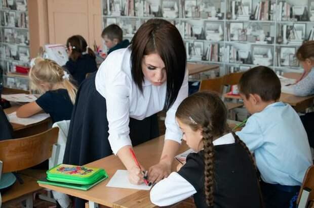 В школах региона создано почти 50 тысяч мест для первоклассников