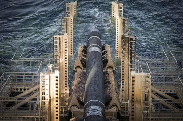 Российское судно «Фортуна» продолжило прокладку «Северного потока 2»