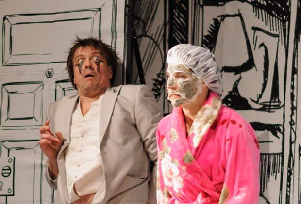 Сцена из спектакля Театра Дениса Матросова «Ты будешь мой!» / Фото из личного архива артиста