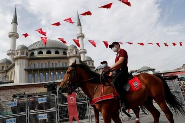 Власти Турции с 7 мая ужесточат условия локдауна