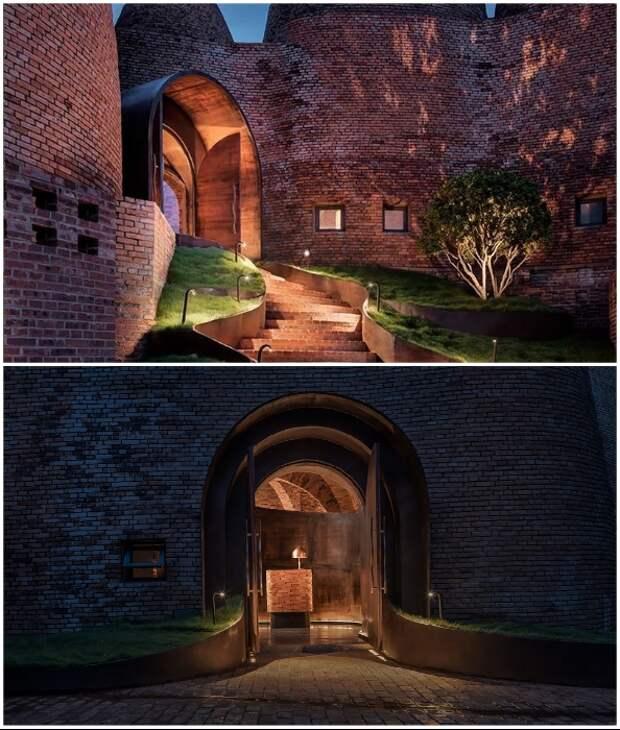 Архитекторы Cheng Chung Design воспользовались нестандартными формами зданий при оформлении входа в ресторан (50% Cloud, Китай).