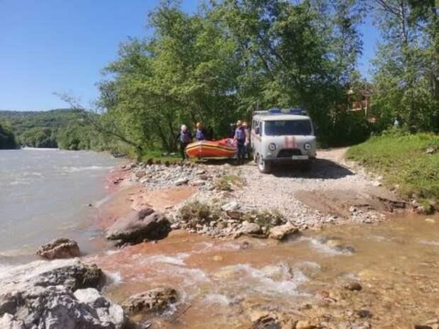 В Адыгее продолжаются поиски двоих туристов ВИДЕО
