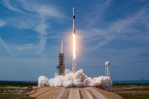 SpaceX в десятый раз запустила и посадила одну и ту же ступень Falcon 9