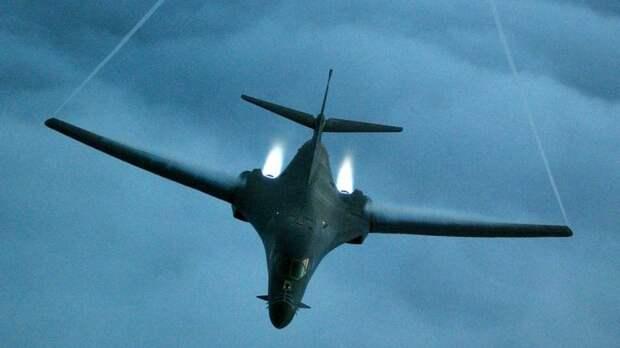 Forbes: устаревающие бомбардировщики ВВС США отрабатывают новую миссию — уничтожение российского флота