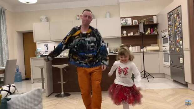 Экскурсия по дому лидера группы «Звери» Романа Билыка