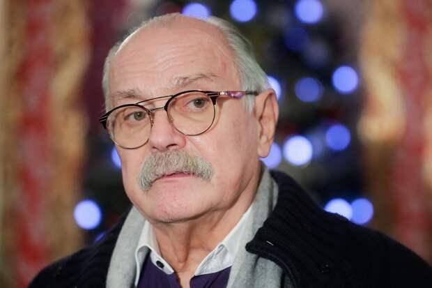 Михалков раскритиковал актеров, которые призывали молодежь к протестам