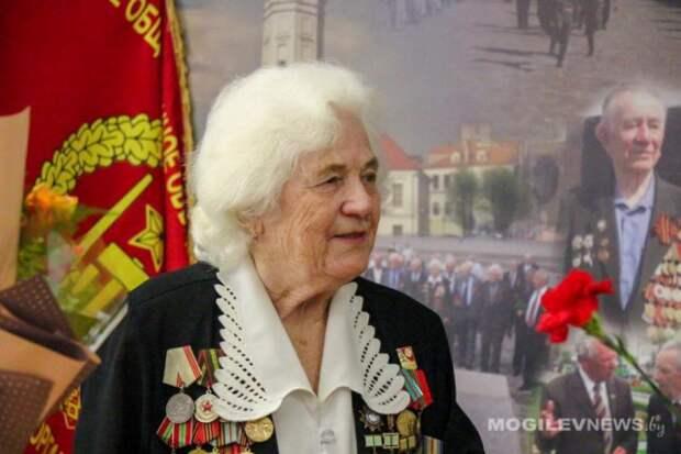 90-летний юбилей отметила блокадница Ленинграда Елизавета Хомченко.