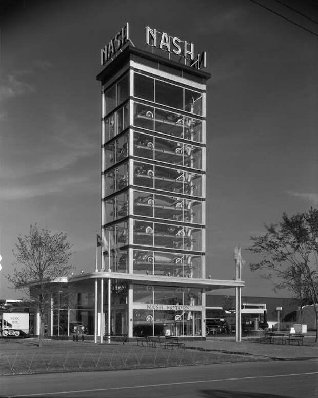Презентация парковки с автомобильным лифтом от Nash Motors, Чикаго, 1933 авто, автомобили, архив, из прошлого, машины, парковка, прошлое, ретро