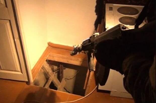 Экс-оперативник отправится под суд за помощь киллеру ОПГ Шараповские