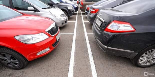 Царящие на парковке на Дмитровском правила вызвали бурную реакцию в соцсетях