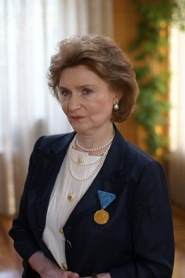 Наталья Нарочинская и её «парадоксы»