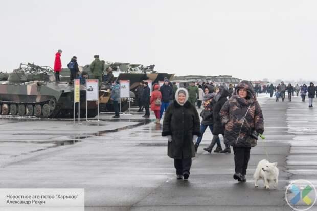 Аэропорт Луганска ожил: ЛНР с почестями отмечает 23 февраля