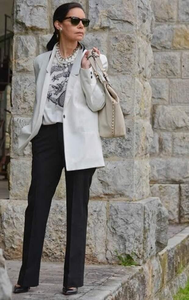 Как выглядеть стильно и не отставать от моды: образы от известного блогера 50+ Кармен Маркус