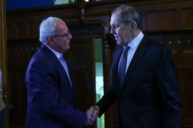 Глава МИД Палестины на встрече с Лавровым передал письмо Аббаса Путину