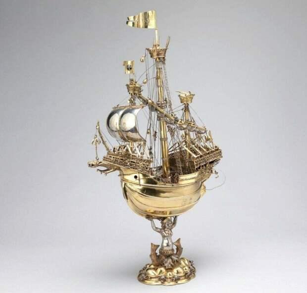 Шлюссельфельдский корабль, сделанный, предположительно, немецким ювелиром Альбрехтом Дюрером-старшим в 1503 году. история, ретро, фото