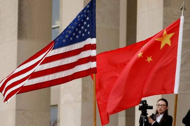 США обвинили в шпионаже несколько сотен китайских студентов
