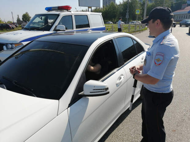 Операция «Тонировка» стартовала в Удмуртии: за несколько часов сотрудники выявили около 50 нарушителей