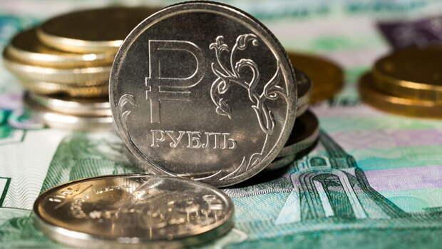 Российская валюта продолжила вчерашний рост на рынке Forex